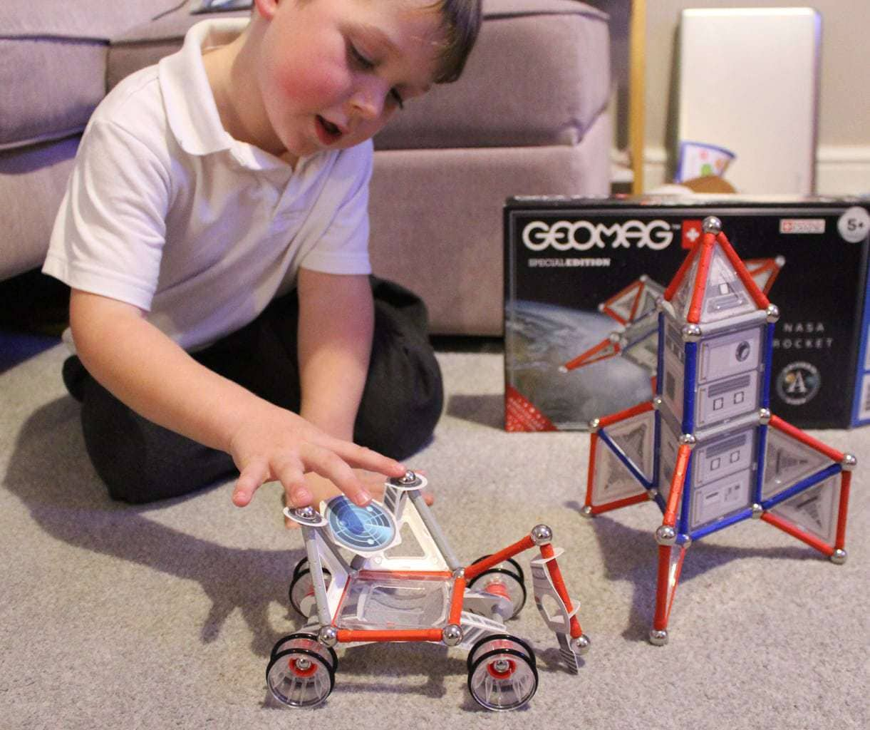 Geomag rocket and rover