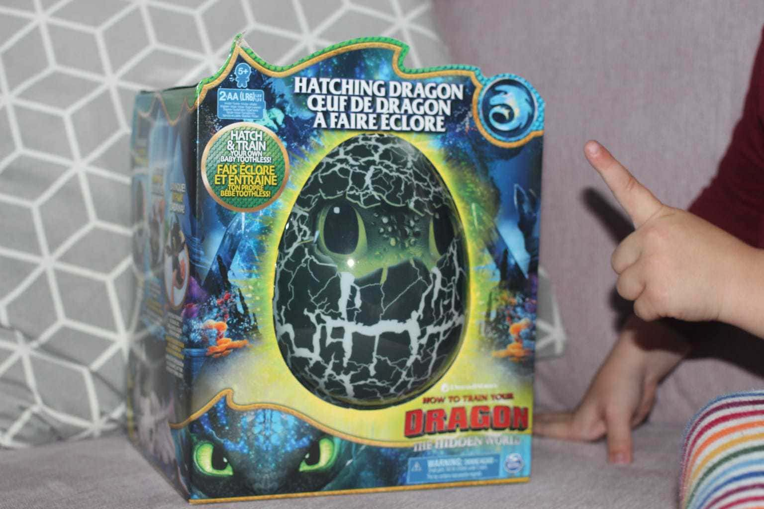 Hatching Baby Toothless Dragon review