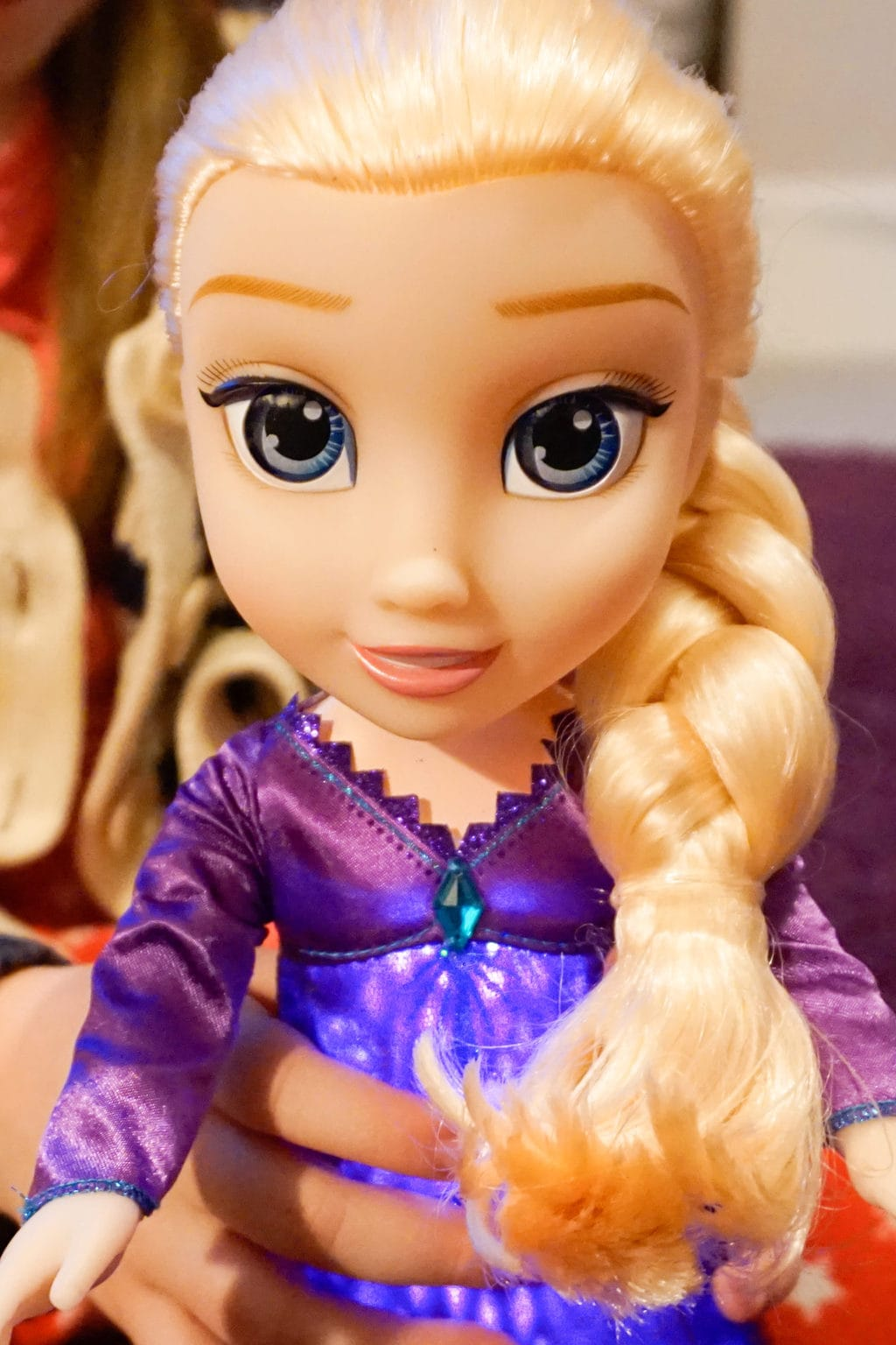 Frozen 2 Singing anna doll review