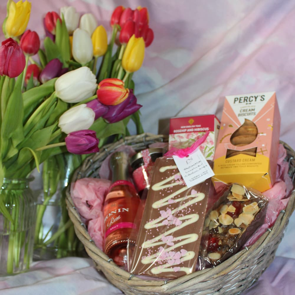 mothers day treat hamper from moonpig